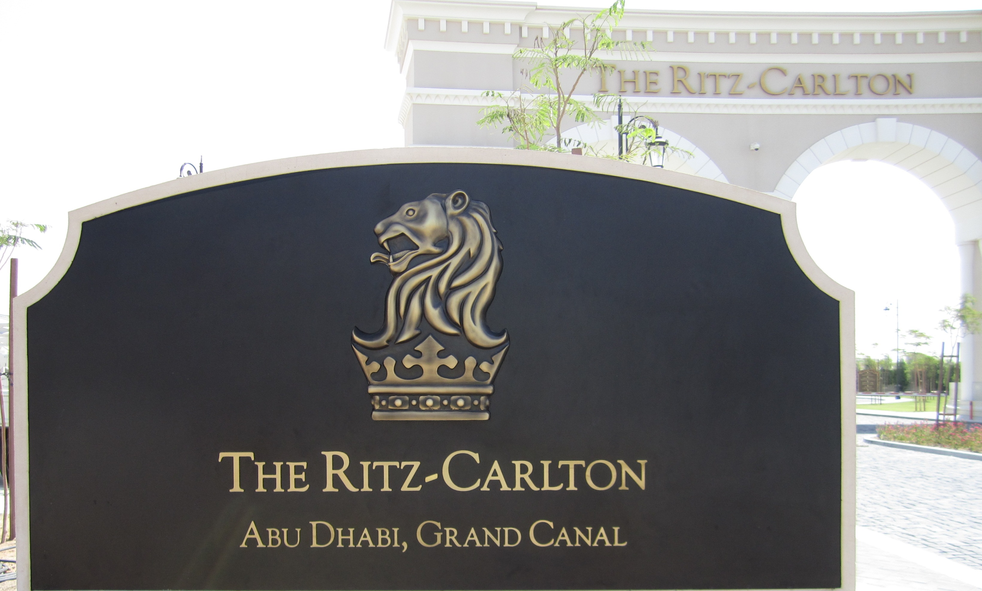 <h2>Ritz Carlton - External Sign</h2><br/>